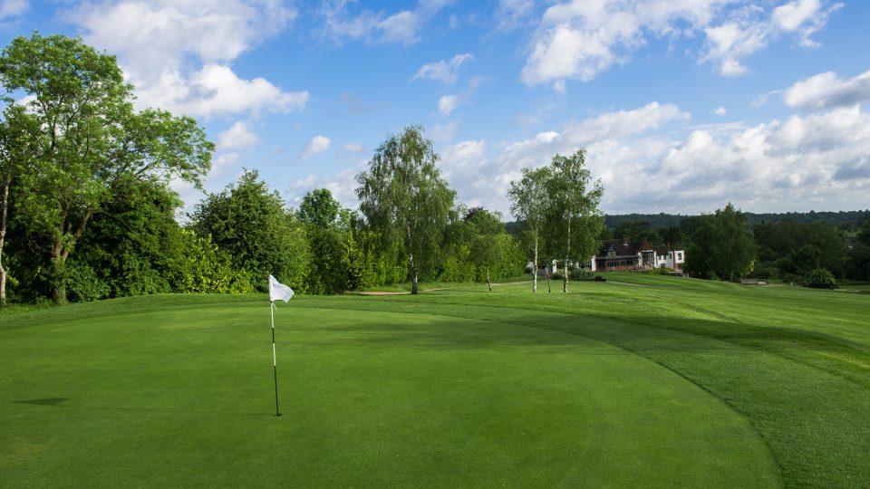 18th green at Addington Court Golf Centre